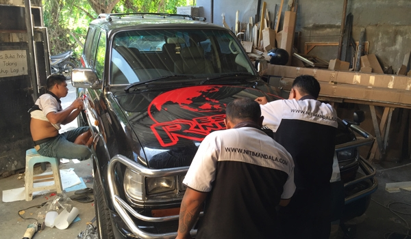 Car Branding (Land Cruiser)